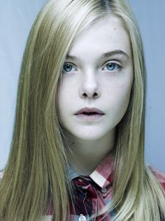 This is Elle Fanning, the little sister of Dakota Fanning herself. Dakota Fanning, Pretty People, Beautiful People, Beautiful Women, Le Jolie, Angelina Jolie, Fanning Sisters, Actrices Sexy, Famous Faces