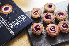 Runebergintortuista voi tehdä myös pienempiä torttusia. Ruokatoimittaja Petra Tuominen kertoo, miksi se kannattaa. Baking Recipes, Cake Recipes, Sweet Bakery, Sweet And Spicy, Mini Cupcakes, Food Photo, Food Inspiration, Sweet Tooth, Cheesecake