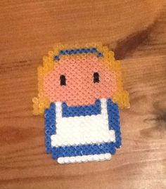 Alice em hamma beads feita por mim !!