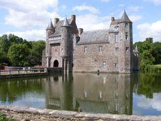 pays de Josselin : le château de la dame blanche de Trécesson