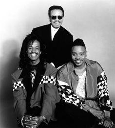 Earth-Wind-Fire est un groupe de jazz-funk originaire de Chicago dans l'Illinois. Le groupe a été formé en 1969 à l'initiative de Maurice White
