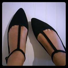 Flats Woman's T strap pointy black flats.  Only wore once.  Gorgeous for those outings and heals won't do the job. Old Navy Shoes Flats & Loafers