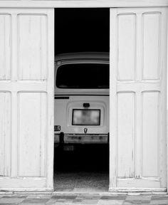 Alter Renault Alters, Fiat, Kitchen Appliances, White Photography, Monochrome, Italy, Diy Kitchen Appliances, Home Appliances