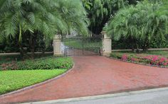 Another Georgetowne handmade brick drive in Naples, FL after a rain shower.