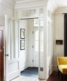 Popular Traditional Small Entryway