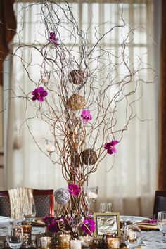 Love these willow branches with a touch of color