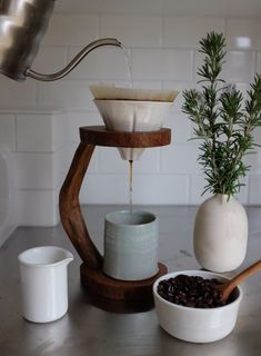 Newest Snap Shots Clay Pottery decoration Tips hygge + slow living Coffee Shop, Coffee Love, V60 Coffee, Drip Coffee, Ninja Coffee, Coffee Dripper, Coffee Barista, Coffee Plant, Coffee Menu