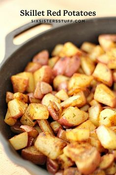Fried Red Potatoes, Cooking Red Potatoes, Skillet Potatoes, Potatoes On Stove Top, Baby Potatoes, Cheesy Potatoes, Potato Side Dishes, Side Dishes Easy, Side Dish Recipes