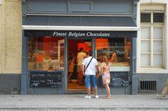 Bruges-Belgian-Chocolate-Shop.jpg 980×656 ピクセル