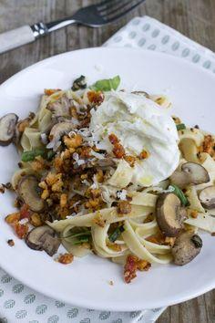 Heerlijk pastagerecht: Tagliatelle met champignons en mozzarella. Geïnspireerd op de pasta van Donna Hay  Via BrendaKookt.nl