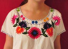 Mexikanische Hand bestickt Lässige White Top Bluse von LadyBonita auf DaWanda.com