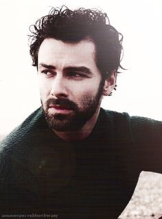 Aidan Turner I absolutely adore him!! Best Kili there ever was.  Rocks the long hair, too! ❤