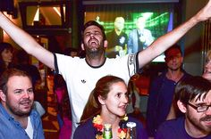 © Christian Menzel Sonntag, 03.07., 00.25 Uhr - Mitte, FC Magnet Bar: Bye, bye Italien. Hallo Halbfinale!
