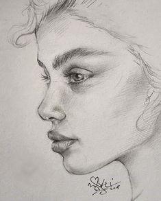 Pencil Portrait woman portrait drawing reference, using hatching technique Pencil Art Drawings, Realistic Drawings, Art Drawings Sketches, Drawing Faces, Pencil Sketching, Face Pencil Drawing, Pencil Portrait Drawing, Girl Face Drawing, Paintings