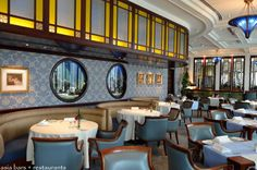 restaurant booth seating leather sofa and dining table - Поиск в Google