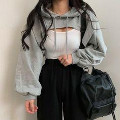 Korean Girl Fashion, Ulzzang Fashion, Korean Street Fashion, Kpop Fashion Outfits, Girls Fashion Clothes, Tomboy Fashion, Edgy Outfits, Korean Outfits, Cute Casual Outfits