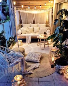 Small Balcony Ideas to Help You Make The Most of Your Outdoor Space Small Balcony Design, Small Balcony Decor, Outdoor Balcony, Patio Balcony Ideas, Patio Ideas, Yard Ideas, Outdoor Bedroom, Bedroom Balcony, Small Outdoor Spaces
