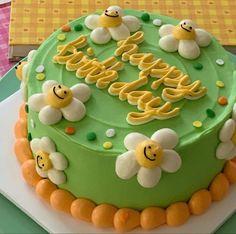 Pretty Birthday Cakes, Pretty Cakes, Beautiful Cakes, Amazing Cakes, Mini Cakes, Cupcake Cakes, Simple Cake Designs, Simple Cakes, Pastel Cakes