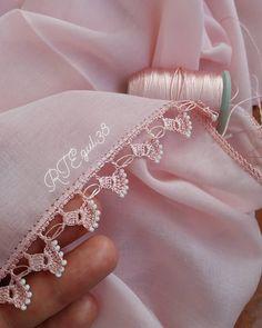Daisy Fiber Making for Women Who Love Knitting Excessively Filet Crochet, Crochet Lace Edging, Crochet Borders, Crochet Doilies, Crochet Flowers, Crochet Stitches, Crochet Baby, Knit Crochet, Crochet Designs