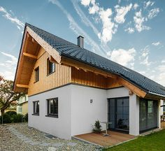 Einfamilienhaus in Riegelbauweise - Maris Llewellyn Style At Home, Swiss House, Home Projects, Future House, Home Goods, Villa, Cottage, Woody, House Styles