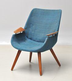 "Please thrift store Gods, bring me this chair on 50% off day. :P ""60s Danish chair"""