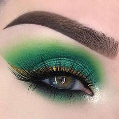 WEBSTA @swayzemorgan Sorry for the lack of posts everyone! We were moving all week and I just today was able to get to my makeup and immediately sat down to do a quick look I can't believe it's already March so here's a bit of St. Patrick's Day inspo! Products used: @nyxcosmetics Micro Brow pencil and jumbo eye pencil in Milk as an eyeshadow base @bhcosmetics Take Me Back to Brazil palette @juviasplace The Magic palette shades Kesi and Buzo (10% off with code SWAYZEMORGAN