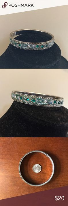 Vintage style bangle bracelet - EUC Beautiful vintage-style bangle bracelet with green and clear stones. Very gently used. From a smoke free home. Anthropologie Jewelry Bracelets