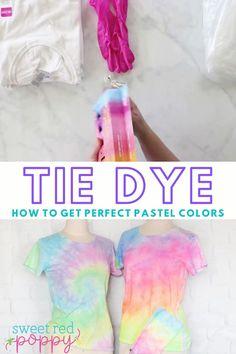 Fête Tie Dye, Tie Dye Party, How To Tie Dye, How To Dye Fabric, Diy Tie Dye Kit, Tie Dye Steps, Diy Tie Dye Techniques, Sewing Techniques, Diy Tie Dye Designs