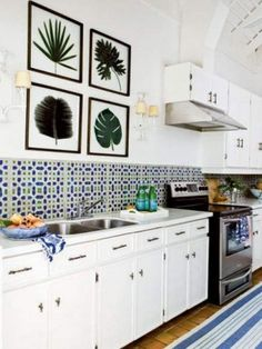 Geometric designs on the wall add an interesting focal point  14 inspirational Backsplash ideas for a beautiful kitchen! http://blog.drummondhouseplans.com/2013/10/04/14-backsplash-ideas-dream-kitchen/