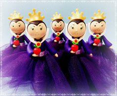 Cris Ubara - Biscuit para festas: Tubetes madrasta da Branca de neve