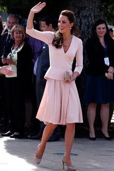 Los duques de Cambridge inician su primer viaje oficial junto al príncipe Jorge