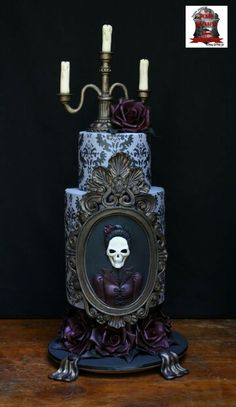 Very Unique Cakes by Veronique: Halloween cake for The Penny Dreadful Cake Collaboration. Halloween Torte, Bolo Halloween, Halloween Wedding Cakes, Dessert Halloween, Theme Halloween, Purple Halloween, Creepy Halloween, Halloween Skull, Happy Halloween