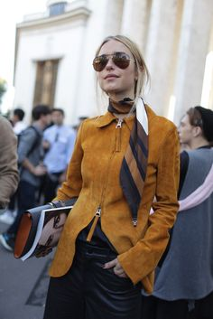 Paris Fashion Week street style. Simple, cool, stylish #fashion #streetstyle