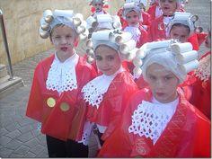 Disfraz Mozart con bolsa infantil de color rojo para disfraces de multipapel http://www.multipapel.com/subfamilia-bolsas-disfraces-educacion-infantil-pequenas.htm