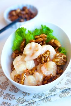 Honey walnut shrimp with sweet mayo sauce. Learn how to make Chinese honey walnut shrimp with this quick and easy recipe. So delicious, a must try!