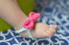 Free Crochet Pattern - Baby Bow Barefoot Sandals |These work up so quickly, you can make one in each color