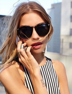 stripes + thick jewelry + rose lips + sunglasses