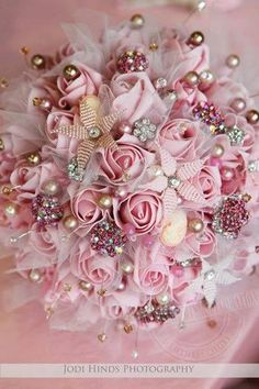 gsfrenchshabbylife... I believe this is a bridal bouquet and it is gorgeous but can you imagine this as a wreath... Hence onto the Shabby Chic Wreath board it goes..