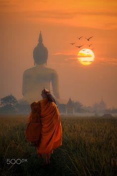 Monk & Big Buddha, Chiang Mai, Thailand