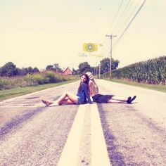 This would be a great senior pic idea for me and mad to do on our street with otterbein in the background!