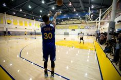 Description of . Golden State Warriors\' Stephen Curry (30) works on his outside shot as the team prepares for its NBA Finals matchup with the Cleveland Cavaliers, Tuesday, June 2, 2015, at team headquarters in Oakland, Calif. (D. Ross Cameron/Bay Area News Group)