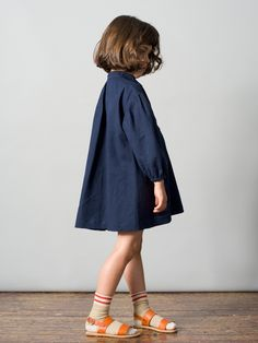 CARAMEL BABY & CHILD will transport us to distant lands with their new collection for Spring Summer 2015 rich in grass greens and citrus yellows, ocean of denim, navy & ice … Fashion Kids, Little Girl Fashion, Look Fashion, Caramel Baby, Poses References, Stylish Kids, Kid Styles, Kind Mode, Kids Wear