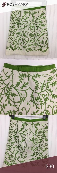 """Tracy Reese Linen Embroidered Pencil Skirt Tracy Reese pencil skirt, beige linen with green embroidery . Cute silk ribbon and bow detail on the waistband. hidden zipper in the back with thread eye and hook closure. Small snag in the silk waistband on the left( see the picture) otherwise no stains, rips or holes, minimal signs of wear  APPROXIMATE MEASUREMENTS FLAT ACROSS:   Waist:13.5"""" Hips: 15.5"""" Length:19.5""""  Color may vary slightly Tracy Reese Skirts Mini"""