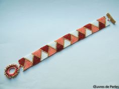 This is a Miyuki bracelet in red pink cream and golden which is very light and made with high quality Japanese bead. This seed beads bracelet is made in peyote stitch, with beautiful flower shape handmade beaded T clasp. A bead bracelet which is ideal for Christmas gift for her.  Supply list:  - Miyuki Delicas 11/0  - Miyuki rocaille 15/0  - Fireline crystal  Colors:  - Red  - Pink  - Cream  - Gold Size: - Width: 1.6cm (0.6in)  - Choosing your size: the perfect fit for a bracelet is...