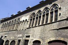 Demeure des Comtes de Champagne / Monuments / Patrimoine / Découvrir / Office de Tourisme de l'Agglomération de Reims - Office de Tourisme de Reims
