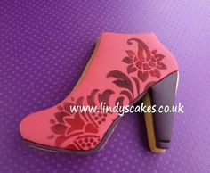 Vintage inspired floral stencil on High Heel cookie.   http://www.lindyscakes.co.uk