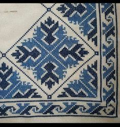 Bargello, Cross Stitching, Needlepoint, Monochrome, Bohemian Rug, Cushions, Quilts, Embroidery, Blanket