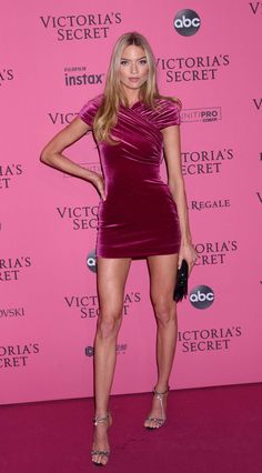 2018 Victoria Secret Fashion Show Afterparty Arrivals November 2018 Martha Hunt Sexy Outfits, Sexy Dresses, Short Dresses, Victorias Secret Models, Victoria Secret Fashion Show, Red Lipstick Outfit, Klum, Martha Hunt, Vs Fashion Shows