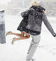 Couple Love in the Snow
