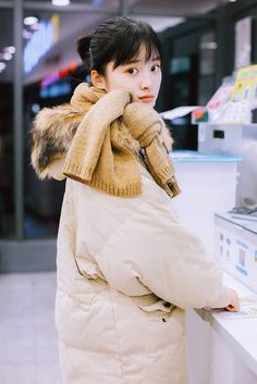Shen Yue ❁ New Year Concert, Chinese Fans, A Love So Beautiful, Meteor Garden 2018, Baby Got Back, Poses For Photos, Lucky Star, Chinese Actress, Korean Celebrities